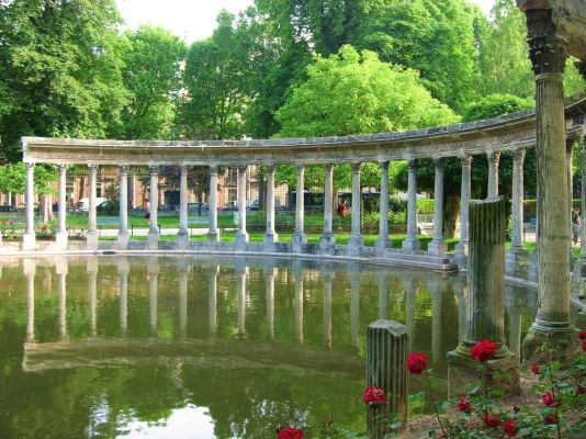 parc-monceau-colonnade